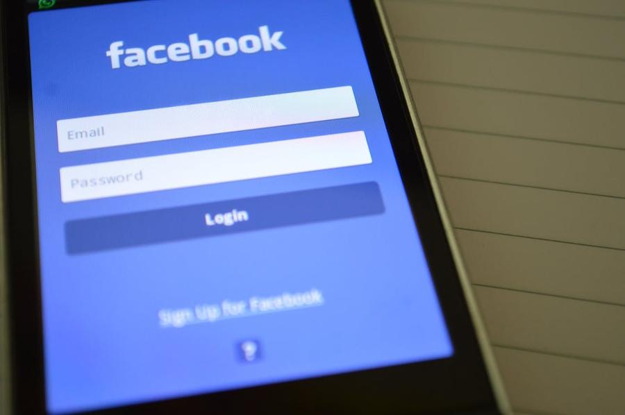 """Facebook bị phạt 9 triệu đô la ở Canada """"Vi phạm"""" quyền riêng tư"""